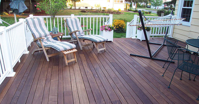 How To Ly Deck Stain Do It Best World S Largest Hardware